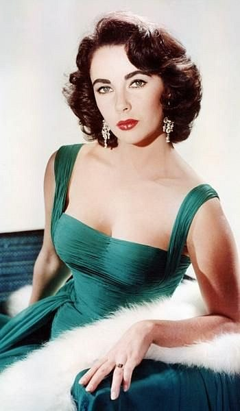 Herečka patřila mezi sex-symboly 20. století.