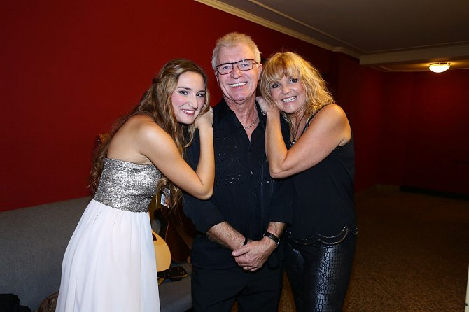 Věra Martinová s dcerou a bývalým mužem