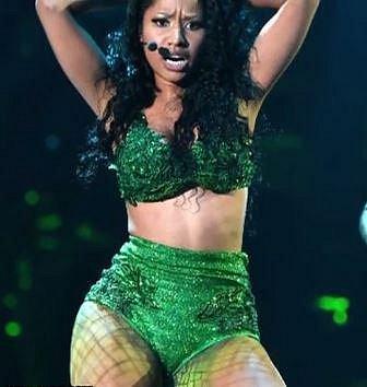 Nicki Minaj - Jedna z největších hvězd současné popové scény se se svým monstrózním pozadím nenarodila. Zadek si nechala operovat hned několikrát.