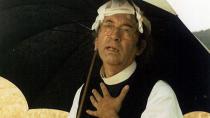 Farář Otík nosil po kapsách placatky plné alkoholu.