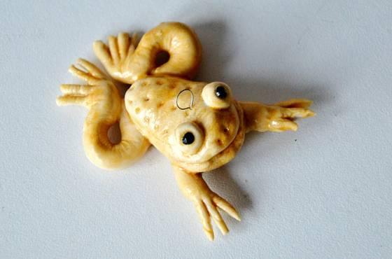 Žába z vizovického těsta.
