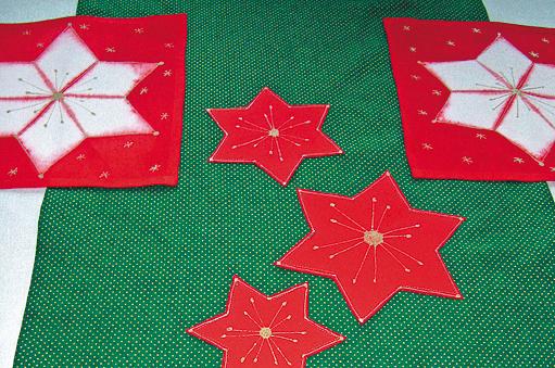 batikované vánoční prostírání