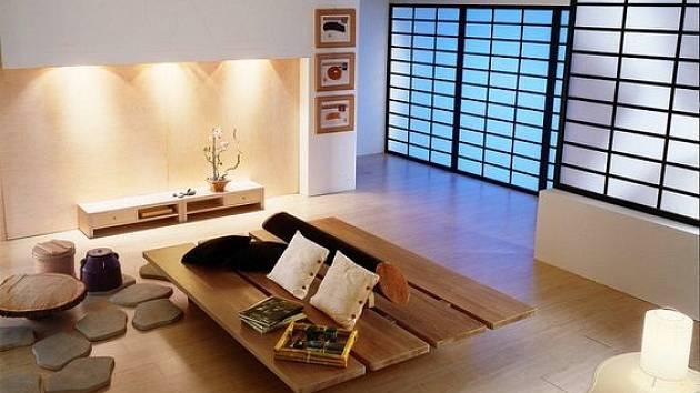 Obývací pokoj v minimalistickém japonském duchu.