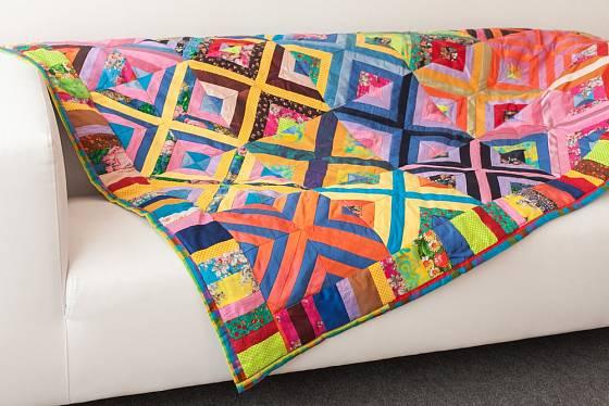 Quilty lze vyrobit i s pomocí hotových patchworkových sad, které zakoupíte v obchodě.