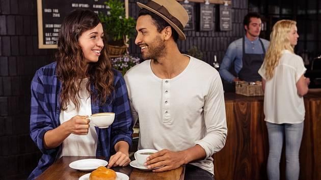 Každý z nás ročně vypije kolem 200 šálků rozpustné kávy.