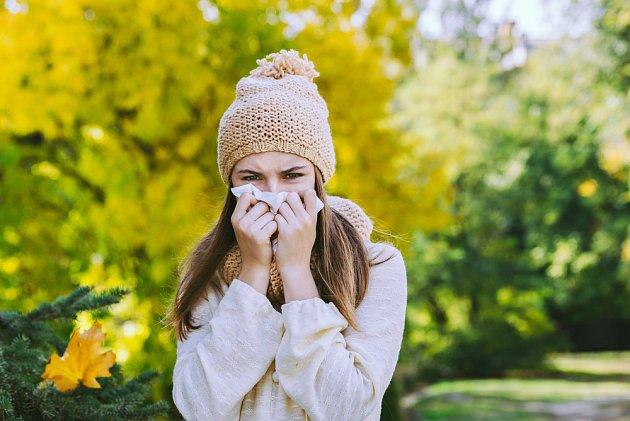 Potíže s alergiemi mohou pokračovat i na podzim.