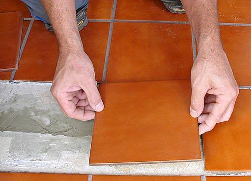 pokládka keramické dlažby