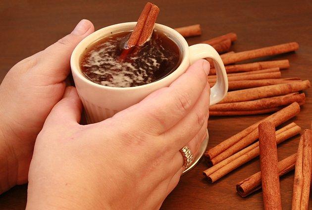 Skořicový čaj je voňavý, chutný i léčivý