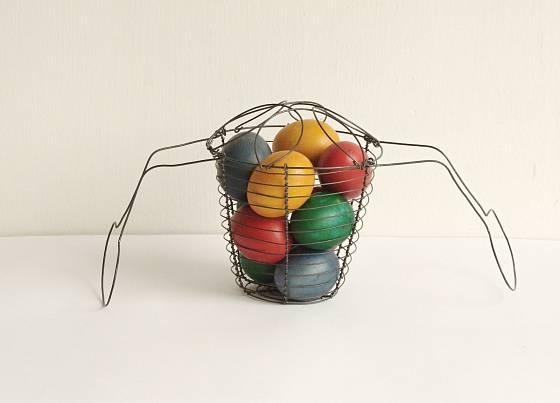 Drátěný košík jako oblíbená velikonoční dekorace