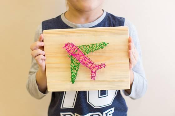 Děti mohou pomocí tohoto umění vytvořit pro rodiče zajímavé dárky.