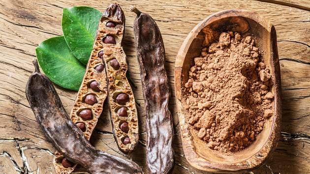 Při pečení může karob zastoupit kakao.