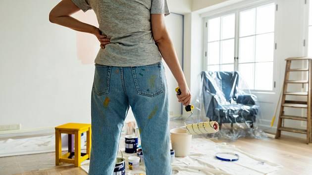 Čerstvě vymalované pokoje působí čistě a svěže