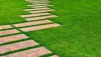 Zajímavé řešení zahradní cesty.