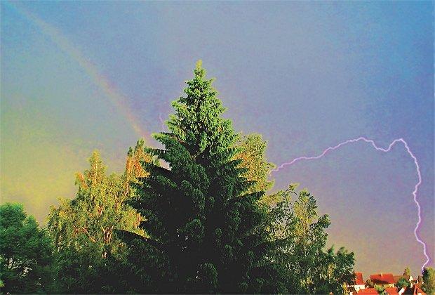 Duha a blesk – dílo náhody a vytrvalosti