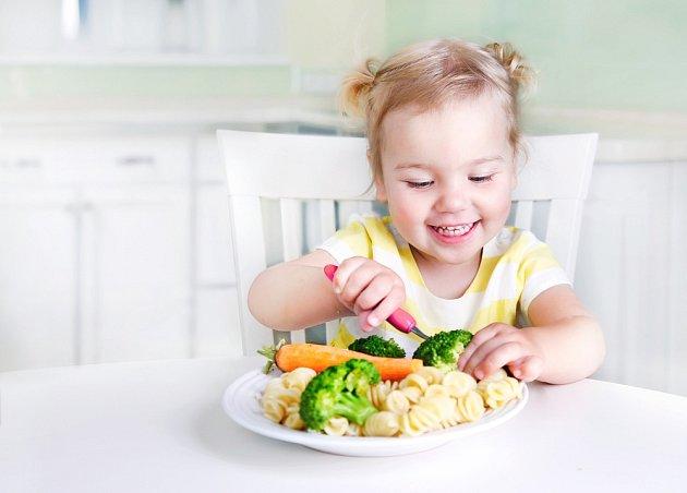 Je spousta potravin, kterým by se naše děti měly vyhnout. Rozhodnutí je na nás.
