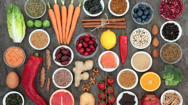 Rozumným a pestrým jídelníčkem můžeme denně podpořit své zdraví