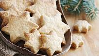 Při vykrajování vyzkoušejte vánoční hvězdičky.