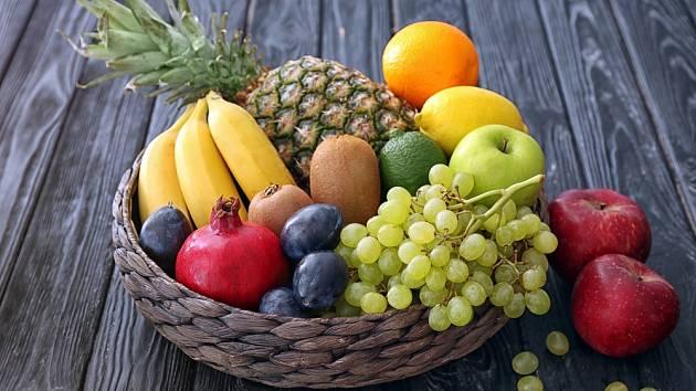 Pokud toužíme zhubnout, je vhodné některé druhy ovoce vynechat.