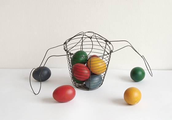 Drátěný košík na vajíčka si můžete vyrobit
