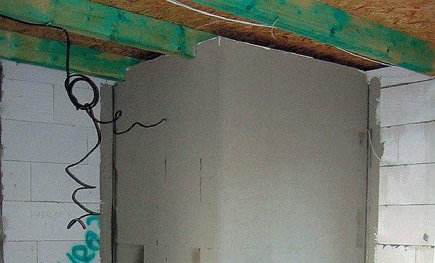 izolovaná komora - pohled z garáže