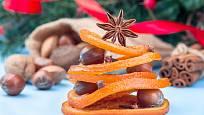 Kandovanou pomerančovou kůru můžete vyrobit i doma.