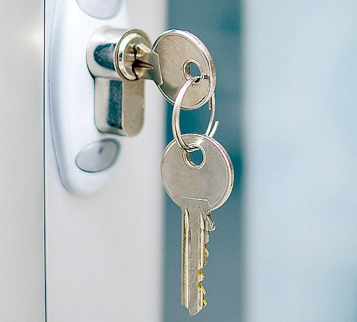 pravděpodobnost, že váš soused bude mít stejný klíč je 1:100 000