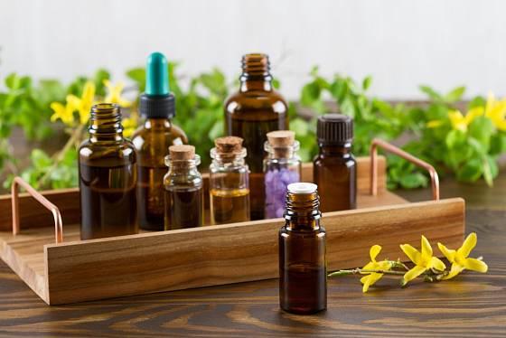 Éterické oleje mají léčivé účinky