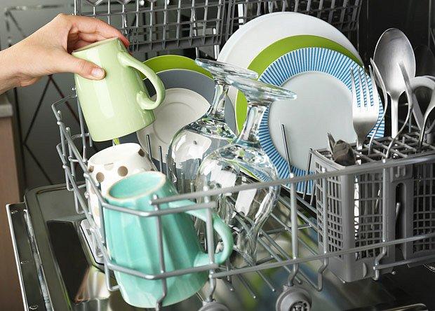 Myčka nádobí ušetří spoustu času.