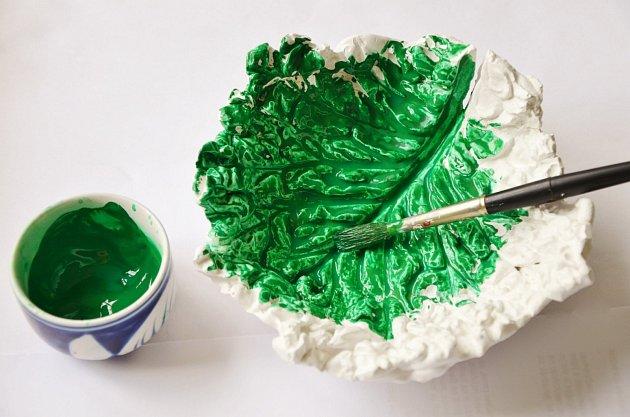 Zelnou misku můžeme natřít na zeleno
