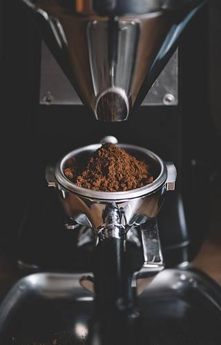 Pokud si chcete kávu skutečně vychutnat, musíte ji namlít až těsně před přípravou.