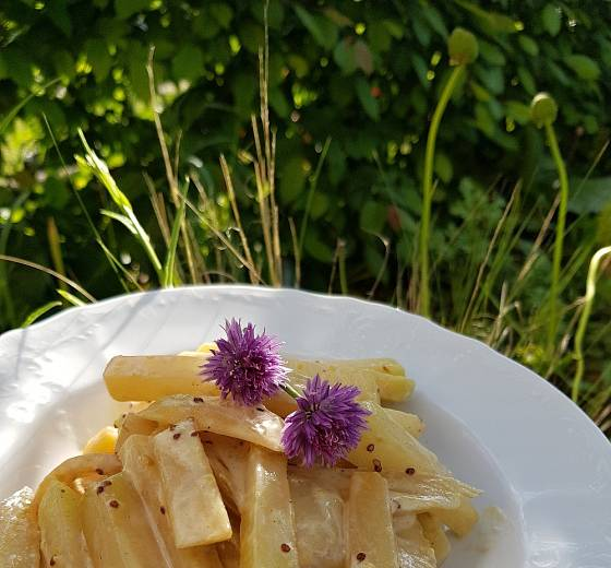 Kedlubny v hořčicové smetaně můžeme použít jako přílohu i jako samostatné jídlo.