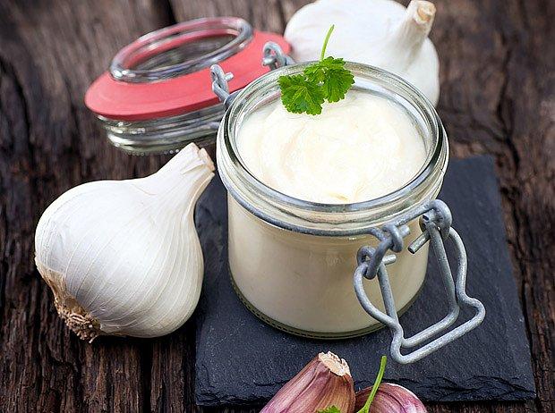 Česnekový přeliv k zeleninovým jídlům