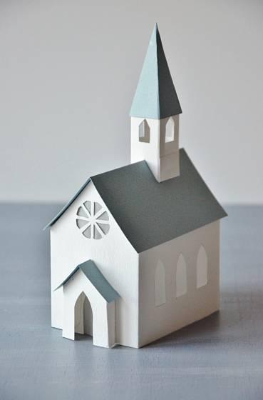 Kostelík z papíru, doma vyrobená vánoční dekorace