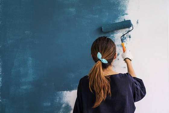 Interiér můžete vymalovat módní modrou barvou