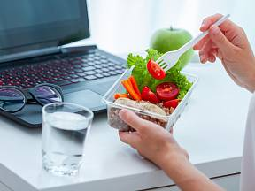 I v práci se můžete stravovat plnohodnotně