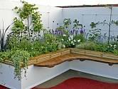 Vyvýšené záhony jsou ideální i na balkon nebo terasu