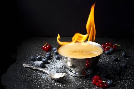 flambované crème brûlée