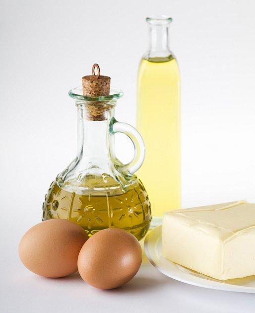 Olivový olej, vejce, máslo.