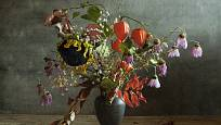 Větvičky mochyně můžete kombinovat s dalšími rostlinami.