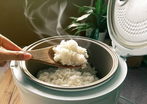 Koupi rýžovaru zvažte, pokud rýži jíte denně.