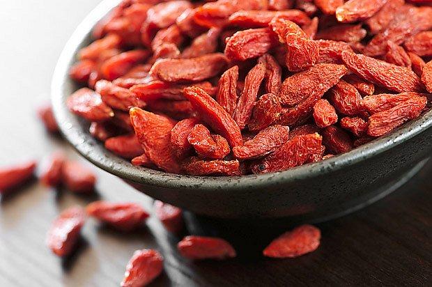 Léčivé plody goji, jež se prodávají sušené, si můžete vypěstovat