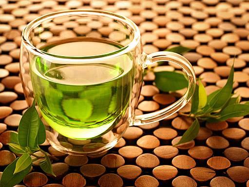 Šálek zeleného čaje.