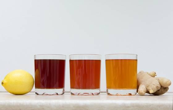 Barva i chuť nápoje se může různit, záleží na délce fermentace a dalších faktorech.