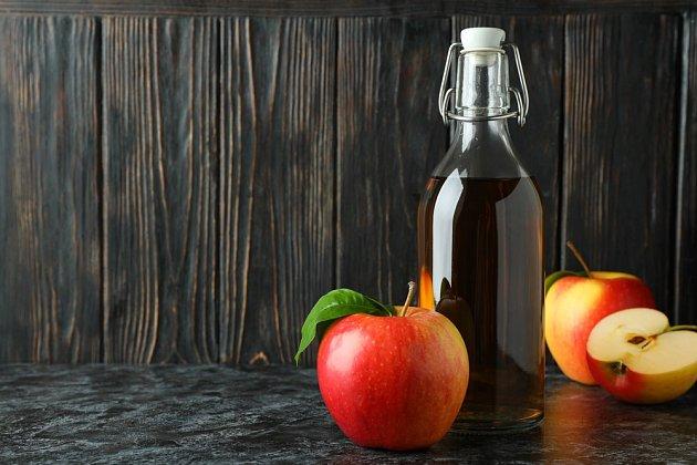 Ovocné mušky vůně jablečného octa velmi přitahuje.