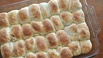 Pravé české buchty zvládnete upéct s trochou cviku i v celoskleněném pekáči.