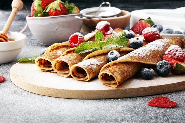 Nejvděčnější náplní je čerstvé ovoce nebo marmeláda.