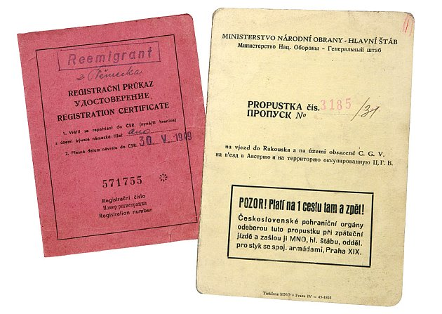 Poválečný průkaz totožnosti a propustka do Rakouska (1946)