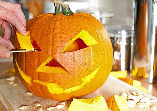 vyřezávání dýně na halloween
