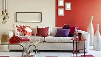 Nápaditý stolek ze vzdušného materiálu se hodí k výrazným barvám stěn