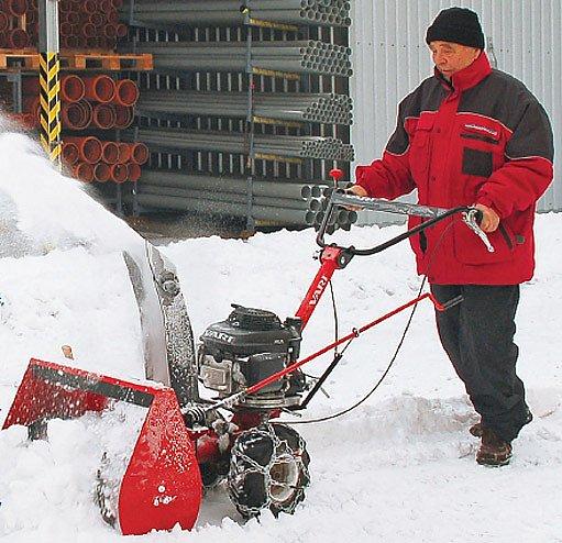 sněhová fréza jako příslušenství k malotraktoru
